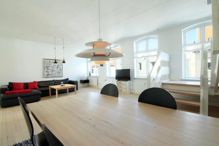 161, Kongensgade 32. 2th, Esbjerg